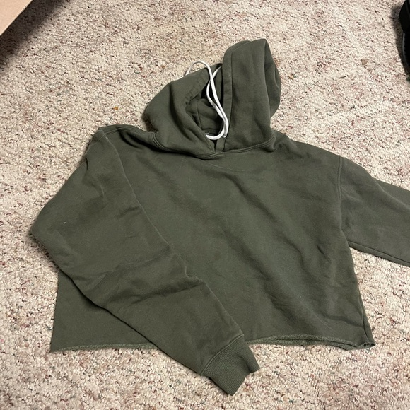 Small wild fable crop hoodie
